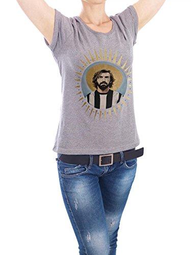 """Design T-Shirt Frauen Earth Positive """"Ikone Pirlo"""" - stylisches Shirt Sport Sport / Fußball Menschen von David Diehl Grau"""