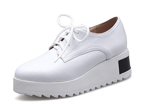Aisun Damen Fashionable Spitz Zehen Durchgängiges Plateau Sneakers Weiß