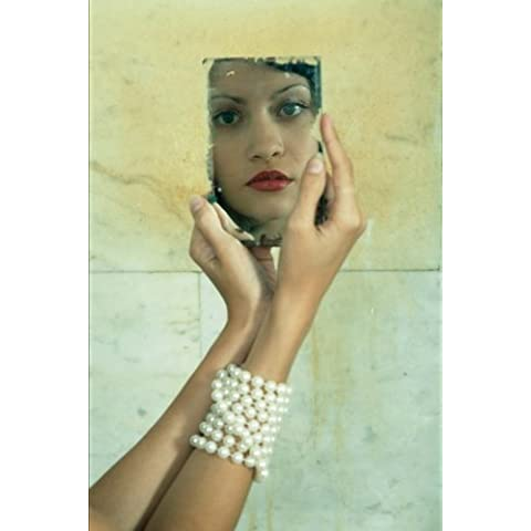 Vintage Glamour:  A Face in the Mirror Journal: 150 Page Lined Notebook/Diary