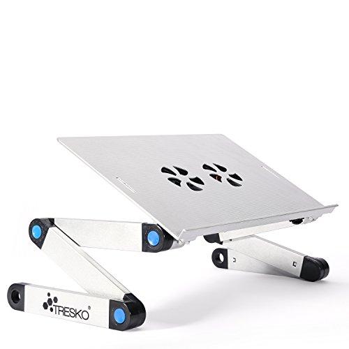 TRESKO® klappbarer Notebook-Tisch Laptop-Ständer Beamer-Tisch, aus hitzeabsorbierendem Metall, 15 kg Tragkraft, mit Luftschlitzen zur Laptop-Kühlung, auch als Frühstücks-Tablett oder Stativ verwendbar, individuell höhenverstellbar für ergonomische Sitzposition, in verschiedenen Farben (schwarz und silber) und Ausführungen (mit und ohne Lüfter, Stromversorgung per USB) (Silber)