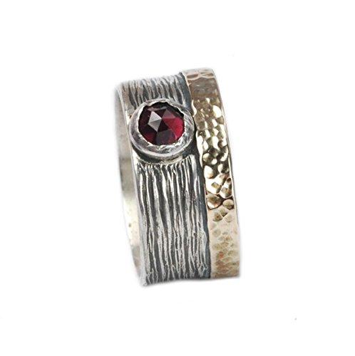 Hintergrund, Rote Umrandung (Tiljon Breiter Ring aus 925er Silber mit 375er Gold-Umrandung und Granat-Stein Ringgröße 60 (19.1))
