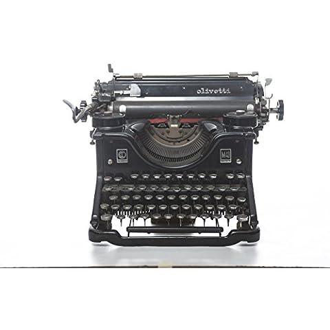 Macchina da scrivere M40 designer Luigi Figini e Gino Pollini produttore Olivetti paese Italia anni 30 colore nero in metallo