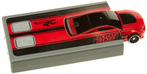MATTEL T9554 : FORD MUSTANG BOSS 302 VOITURE MINIATURE RADIO COMMANDEE HOT WHEELS DE POCHE