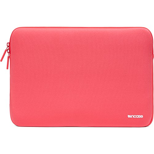 incase-macbook-pro-15-neoprene-classic-sleeve-red-plum