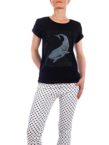 """Design T-Shirt Frauen Earth Positive """"Blue Whale II"""" - stylisches Shirt Tiere von Artkuu Schwarz"""