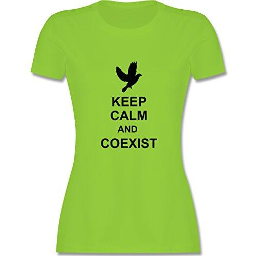 Keep calm - Keep calm and coexist - tailliertes Premium T-Shirt mit Rundhalsausschnitt für Damen Hellgrün