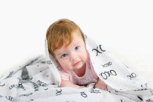 Pack Of 2–groß–Pucken & Receiving Decken–Musselin 100% Qualität Baumwolle Wickeltuch, Pflege Bezug & Spucktücher–Baby Dusche Geschenk–Unisex Schwarz und Weiß Design–von gemütlichen Komfort
