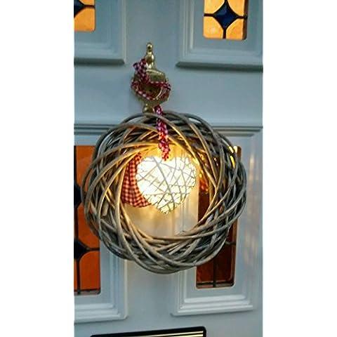 Rústico Vintage gris de mimbre corona de Navidad con un encantador LED blanco, con forma de corazón en el centro tied sobre con gamuza de rojo y blanco–Ideal para un para corona de Navidad o para decorar cualquier puerta o