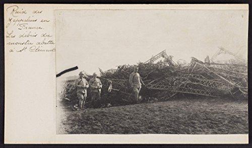 poster-raid-zeppelins-france-debris-engin-abattu-st-clement
