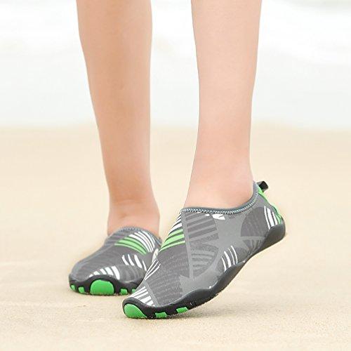 AFFINEST Scarpe da Acqua Unisex Scarpe da Immersione da Mare Spiaggia Ballo Yoga Materiale Traspirante Elastico Antiscivolo Scarpe Grigio