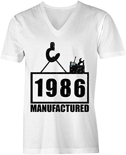 Manufactured 1986 - V-Neck T-Shirt Männer-Herren - hochwertig bedruckt mit lustigem Spruch - Die perfekte Geschenk-Idee (02) weiss