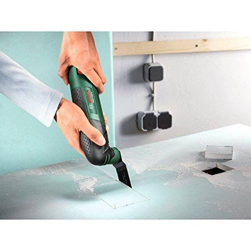 Bosch DIY Multifunktionswerkzeug PMF 190 E Set Anwendung Ausschnitt herstellen