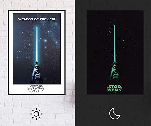 Star Wars - Weapon of The Jedi Poster | Leuchtet im Dunkeln - Glow In The Dark XL Premium Lichtschwert Plakat, 61cm x 91,5cm