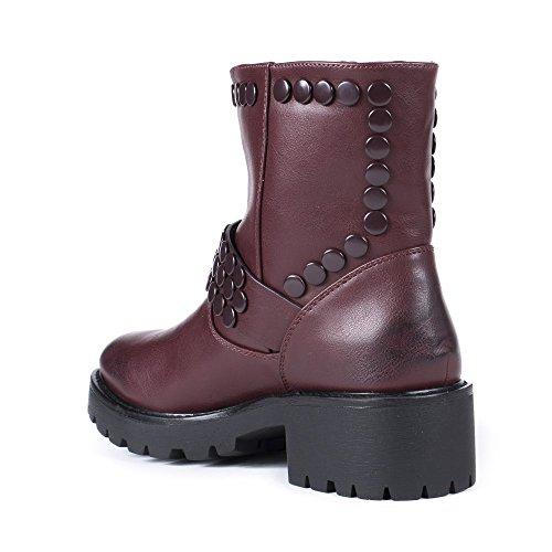 Ideal Shoes Bottines en Similicuir avec Ceinturon et Clous Mahely Bordeaux