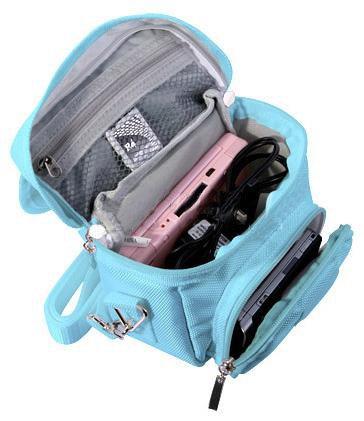 3ds Blau Tasche Xl (Orzly Umhängetasche in hoher Qualität für Nintendo DS (geeignet für alle DS-Versionen mit klappbarem Display:DS / DS Lite / 3DS / 3DS XL / New 3DS / New 3DS XL / 2DS XL)–tragbare Tasche mit Tragegriff und verstellbarem Schultergurt - Befestigung für Gürtel - blau)