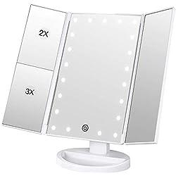 Espejo Maquillaje con Luz,[Regalo de San Valentín] BESTOPE 21 LEDS Espejo Cosmético, Pantalla Táctil Ajusta luz, Tríptica Aumentos 1x, 2x, 3x, Rotación ajustable de 180 °, Fuente de alimentación doble