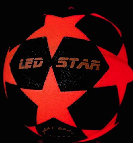 Balón de Fútbol que se Ilumina: El nuevo Champion : NIGHT KICK LED-STAR incl. Bomba de balón y pilas re- servas - LED Interior se enciende cuando se patea - Alta calidad - Ne