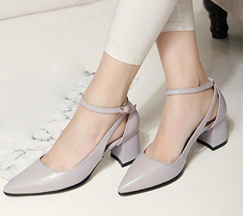 Tipp im Sommer mit Sandalen atmungsaktive Schuhe meters white