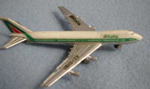 avion-boeing-747-alitalia