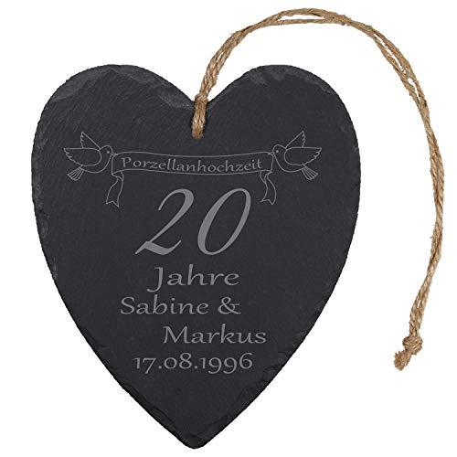 """Schieferherz """"Porzellanhochzeit"""" (Banner mit Vögeln) - mit Bannermotiv - individuelles Schiefer Herz mit Namen gravieren - Geschenk für Ehepaare zu 20. Ehejubiläum"""