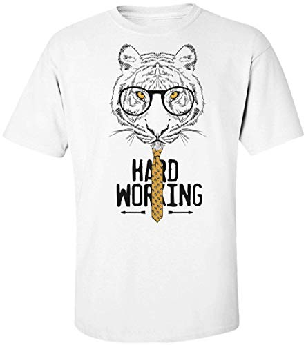 (Hard Working Tiger with Glasses and A Tie Herren T-Shirt Small)