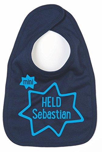 Lätzchen mit Namen | Motiv HELD | bedrucken & personalisieren | 100% Baumwolle für Baby & Kinder bis 3 Jahre | perfektes Geschenk zur Geburt und Taufe