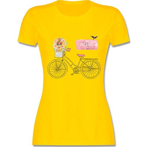Vintage - Fahrrad Take a ride Watercolour - tailliertes Premium T-Shirt mit Rundhalsausschnitt für Damen Gelb