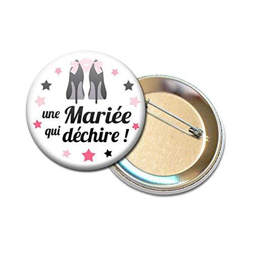 Idee Cadeau Evjf.Badge Rond A Epingle 5 6 Cm Une Mariee Qui Dechire Idee Cadeau Accessoire Mariage Evjf 15
