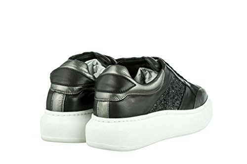 RIPA Sneaker Obermaterial Leder, Boden Gummi Schwarz