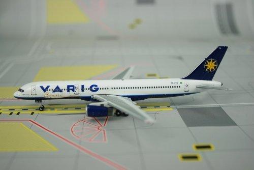 phoenix-varig-b757-200-model-airplane-by-phoenix-models