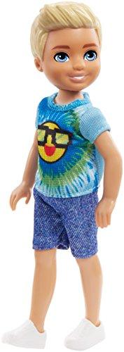 Barbie FRL83 - Chelsea Puppe mit Batikoberteil mit Sonnen Motiv, Jungen Puppe 15 cm groß, Puppen Spielzeug ab 3 Jahren