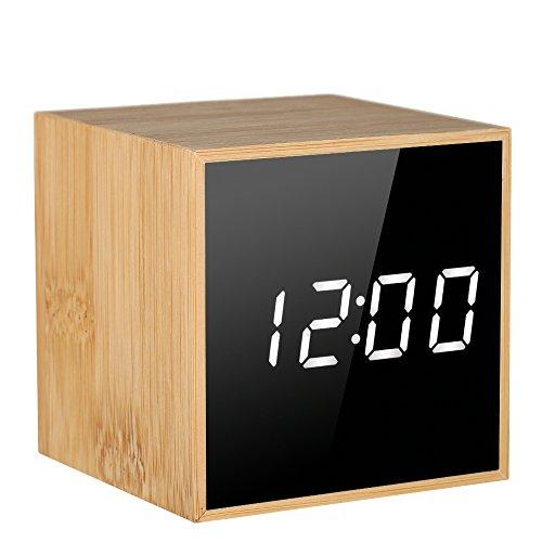 Decdeal Digitale Wecker Mini LED Tischuhr Holz Sprachsteuerung Zeit Datum Temperatur Anzeige Einstellbare Helligkeit 2 Stromversorgung Methoden