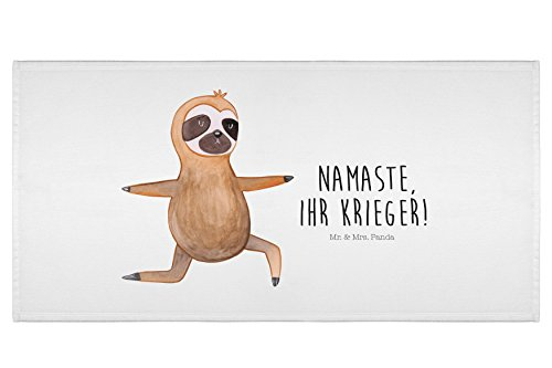 Mr. & Mrs. Panda Badezimmer, Badehandtuch, 50 x 100 Handtuch Faultier Yoga mit Spruch – Farbe Weiß
