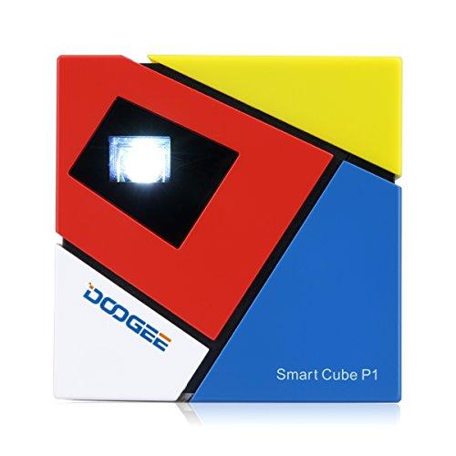 Doogee P1 - Cube Mini Proyector Smart con Multi-funcion (Teatro Privado, Sincronización de los Juegos desde Smartphone, Radiación Cero, Batería Externa, Portátil, Altavoz), Colorido