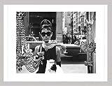 Audrey-hepburn-vitrine-dart-poster-Cadre-en-MDF-argent