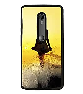 PrintVisa Lady Walking Beach High Glossy Designer Back Case Cover for Moto G Turbo Edition