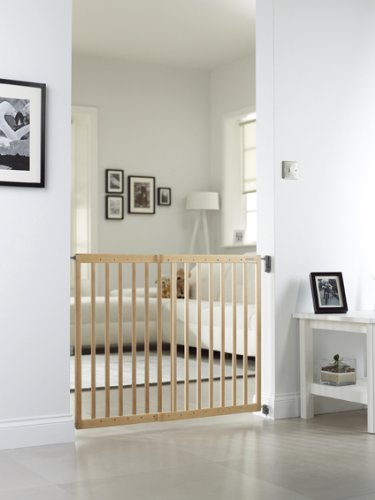Lindam Wall Fix Extending Wooden Safety Gate Lindam Made from natural hardwood Wide walk through section with no step over bar Two way opening for maximum flexibility 2