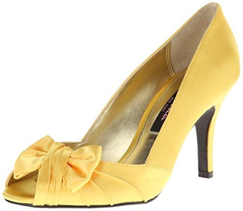 nina-forbes-donna-us-65-giallo-tacchi