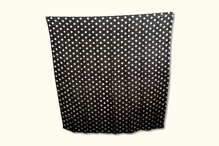 100% Seide Schal Schwarz White Dot (90 cm im Quadrat) -