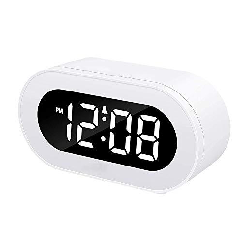KIOio Pequeño Reloj Despertador Digital de LED, fácil de operar, Volumen de Alarma Ajustable, atenuador de Brillo, para Dormitorio, cabecera, Escritorio, Estante