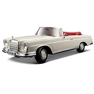 Maisto 1967 Mercedes Benz 280Se Diecast Scale Model Car - 1/18 Scale - White