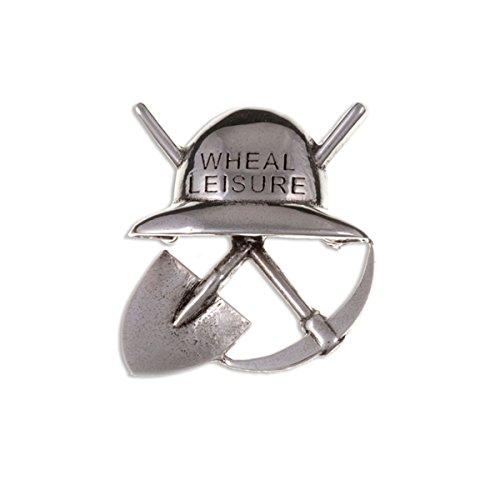 """Poldark Zinn-Brosche aus Cornwall, mit Schriftzug """"Wheal Leisure"""" und Helm-, Spitzhacken- und Axt-Design"""