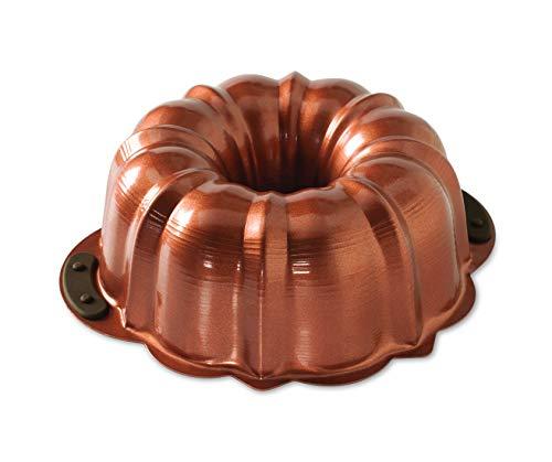 Nordic Ware 50343 Gugelhupfform aus Kupfer mit Silikongriffen für 12 Tassen Original Bundt Pan