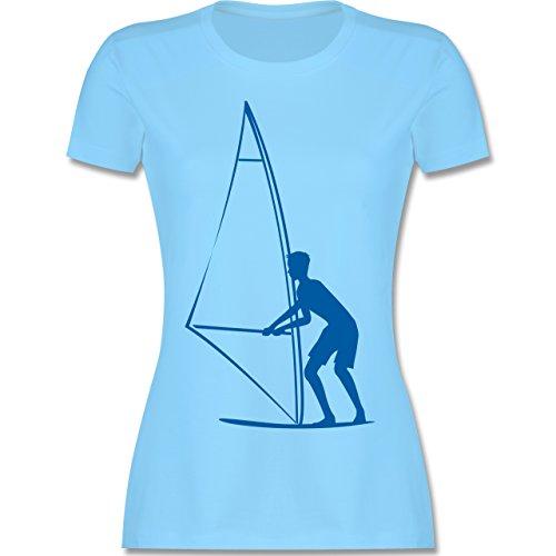 Wassersport - Surfer - tailliertes Premium T-Shirt mit Rundhalsausschnitt für Damen Hellblau
