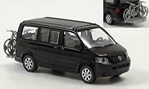 VW T5 California, met.-schwarz, mit Fahrrädern, Modellauto
