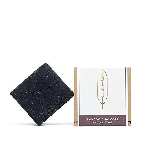 BINU Bamboo Charcoal Facial Soap | Gesichtsseife für unreine & fettige Haut | vegan | 100% natürlich | Schwarze Seife gegen Akne & Mitesser | handgemachte Aktivkohle Seife -