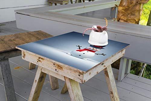 Wallario Aufkleber Selbstklebende Garten-Tisch-Decke - Winterstimmung - Frecher Schneemann mit Zylinder und rotem Schal in 70 x 70 cm (Schneeflocke Tisch Decken)