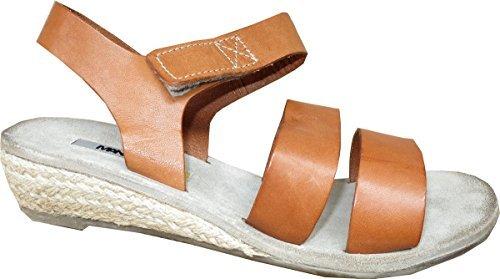Sandalo In Pelle Dal Manas Marrone Marrone