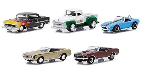 motor-world-diorama-krispy-kreme-donuts-5-car-set-1-64-by-greenlight-58023-by-greenlight