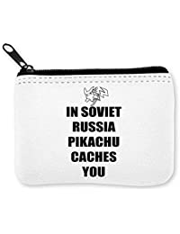 In Soviet Russia Pikachu Caches You Monedero de la Cremallera de la Moneda